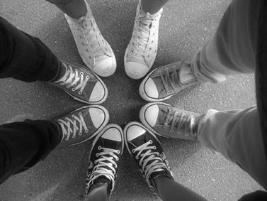 Converse-girls-from-Bosnia-are-magical-converse